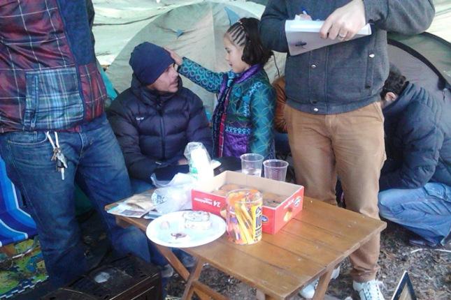 Trabajadores despedidos del servicio de parqeus y jardines de Oviedo acampados en el parque de San Francisco de Oviedo.. 25 de diciembre de 2012. © Miki López