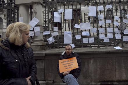Sobres con protestas en la Junta General del Principado. 1 de febrero de 2013. © Miki López