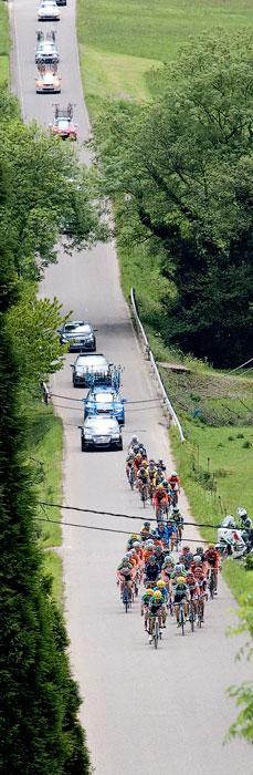 Vuelta ciclista a Asturias. Arlós, 12 de mayo de 2013.  © Miki López/La Nueva España