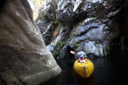 Kaly en el cañón del río. Boal, 30 de septiembre de 2013. © Miki López/La Nueva España