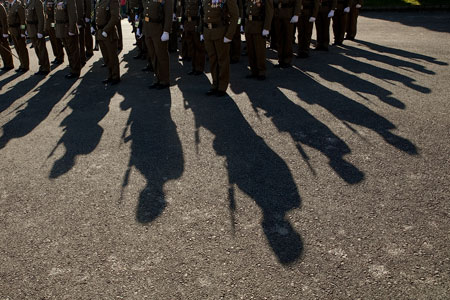 Desfile militar en el acuartelamiento del Cabo Noval. Noreña. 8 de diciembre de 2013. © Miki López/La Nueva España