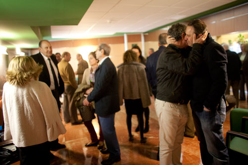 Familiares y amigos de Faustino F. Alvarez en el tanatorio de Los Arenales. Oviedo, 15 de marzo de 2014. © Miki López