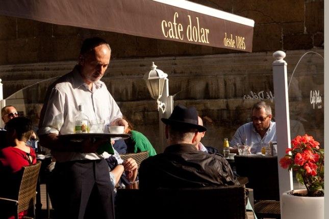 Terraza del café Dolar. Plaza de Porlier (Oviedo). 24 de septiembre de 2014.  © Miki López