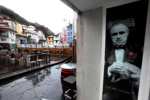 Don Vito Corleone. Cudillero. 16 de enero de 2013. © Miki López/La Nueva España