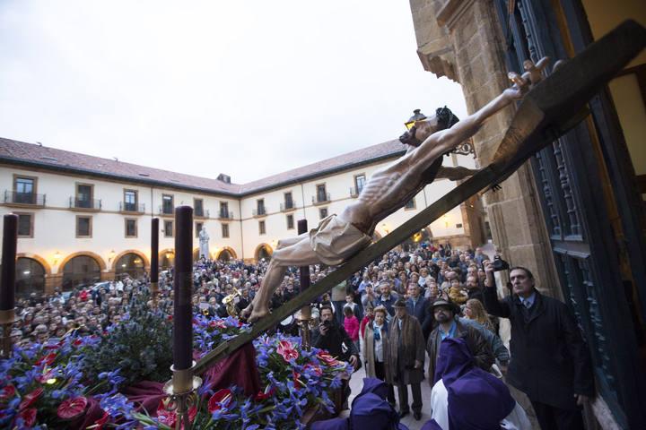 Procesión del Silencio. Oviedo, 31 de marzo de 2015. © Miki López/La Nueva España