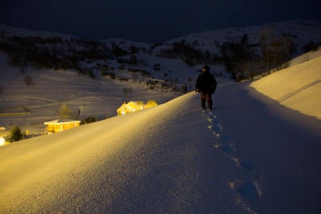 Sendero en la noche. Sotres. 16 de febrero de 2016. ©Miki López