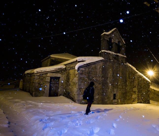 Iglesia de Sotres en la nevada. 16 de febrero de 2016. ©Miki López